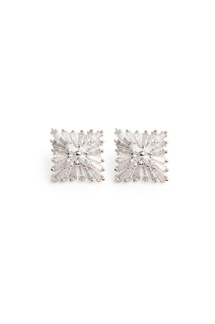 MIZALLE - Zirkon Square Shaped Earrings (Silver) (1)