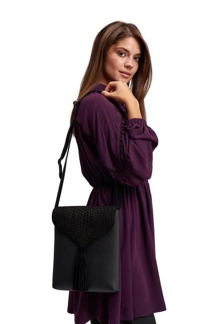 MIZALLE Tassel Shoulder Bag (Black)
