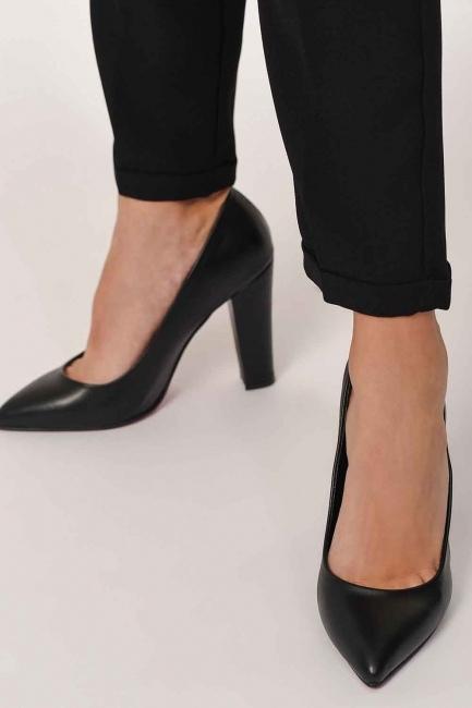 MIZALLE - أحذية كلاسيكية بكعب سميك (أسود) (1)