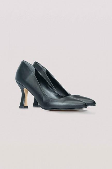Mizalle - Topuklu Deri Ayakkabı (Siyah)