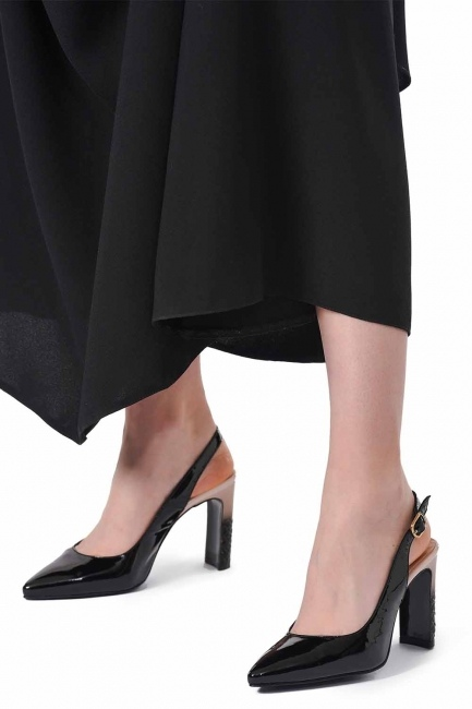 Heeled Patent Leather Shoes (Black/Powder) - Thumbnail
