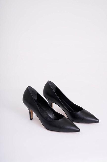 Mizalle - Topuklu Sivri Burun Ayakkabı (Siyah)