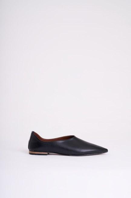 MIZALLE - Topuksuz Sivri Burun Ayakkabı (Siyah) (1)