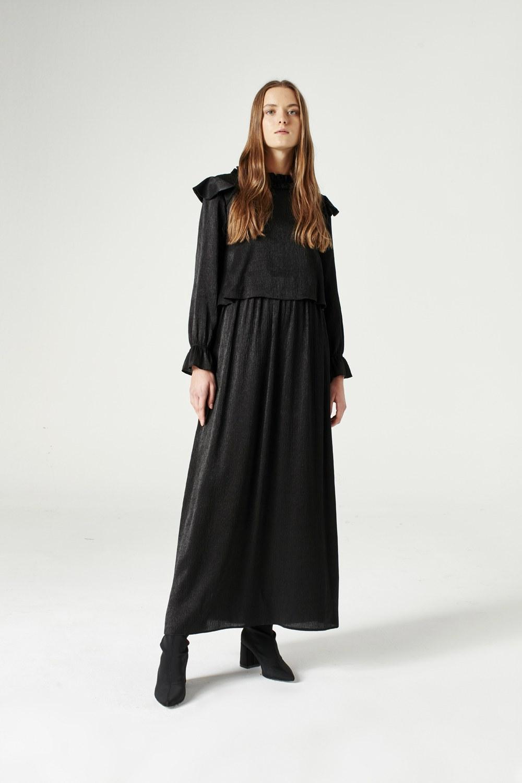 MIZALLE فستان بقصة مروحة على الكتف (أسود) (1)