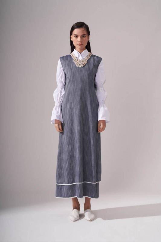Yaka Aksesuarlı İndigo Elbise
