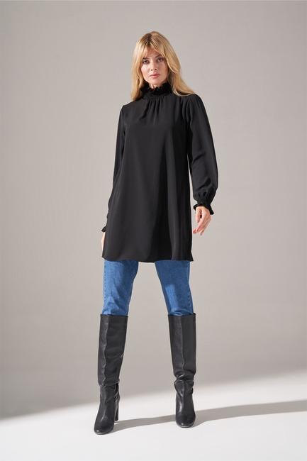 Mizalle - Yaka Kol Büzgülü Bluz (Siyah)