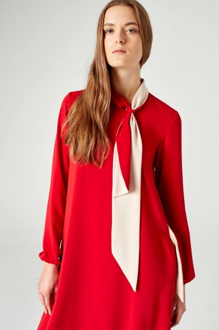 Mizalle - Yakadan Fularlı Elbise (Kırmızı)