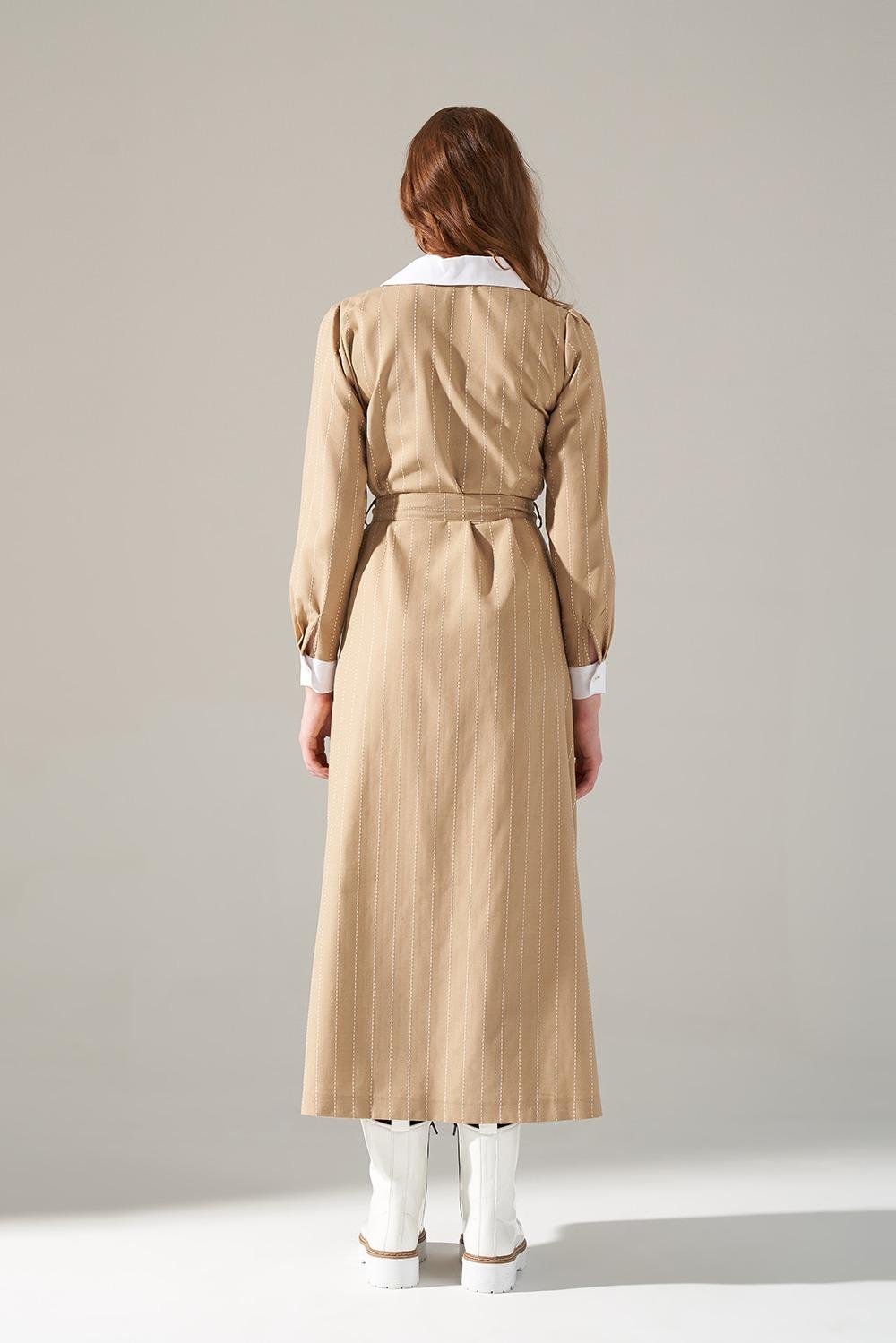 Yakalı Bej Elbise