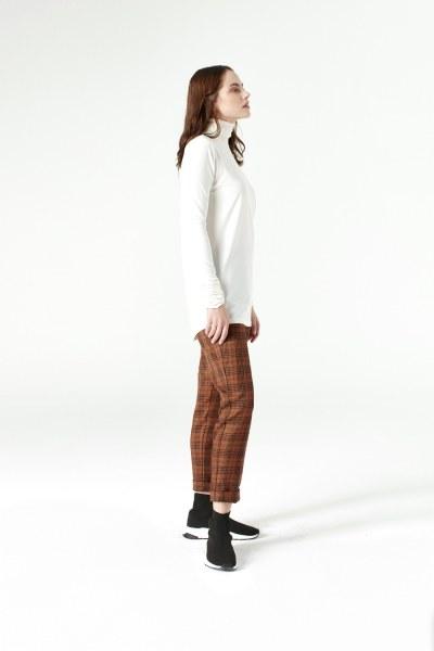 MIZALLE - Shirring-Collar Blouse (Ecru) (1)