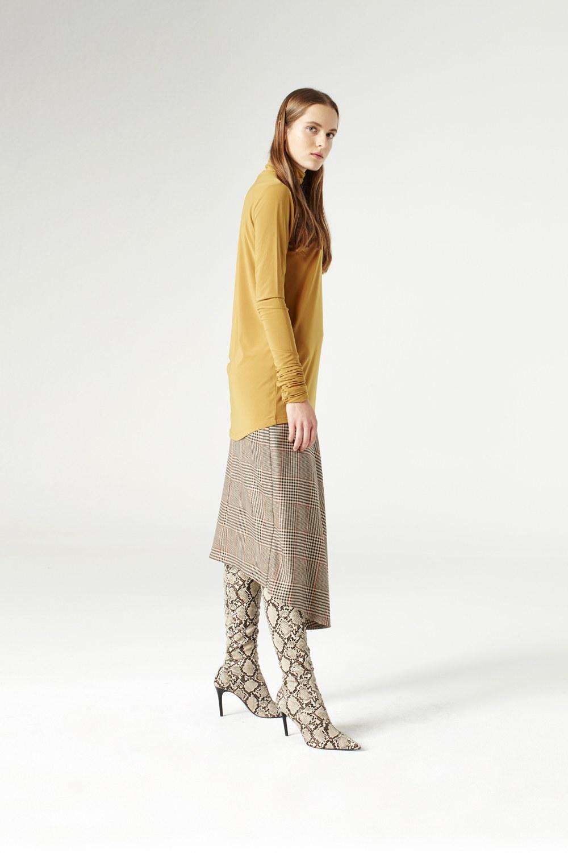 MIZALLE Shirring-Collar Blouse (Camel) (1)