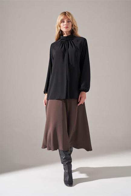 Mizalle - Yakası Büzgülü Krep Bluz (Siyah)