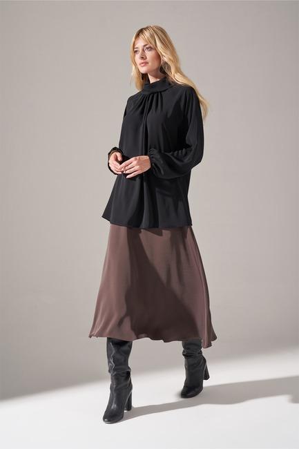 Mizalle - Yakası Büzgülü Krep Bluz (Siyah) (1)