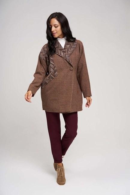 Mizalle - Yakası Desenli Kaban Ceket (Bej)