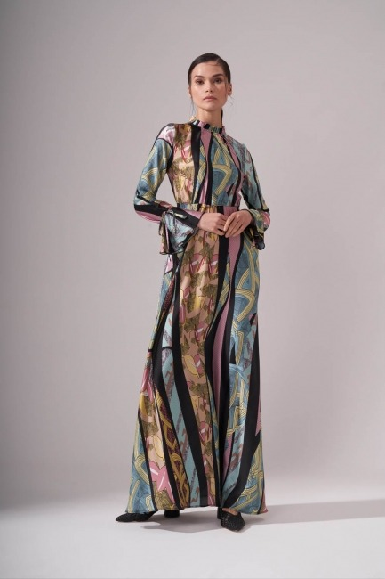 Mizalle - Yakası Pileli Desenli Maxi Elbise (Renkli)