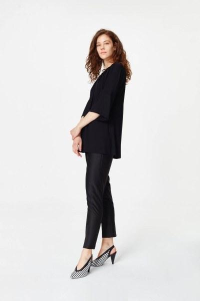 MIZALLE - Yakası Ribanalı T-Shirt (Siyah) (1)