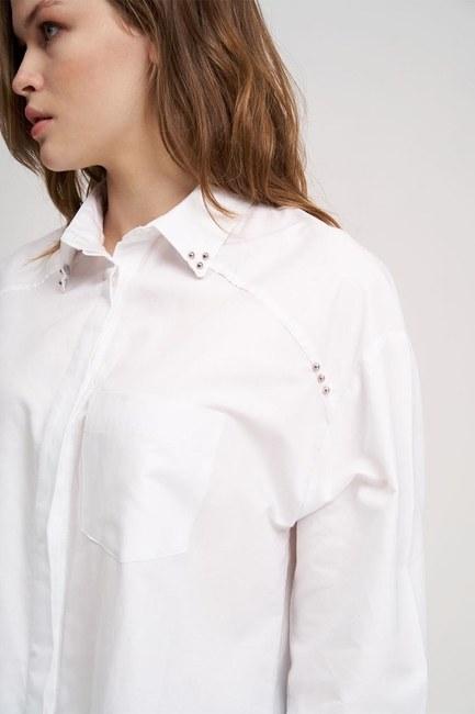 MIZALLE YOUTH - خط العنق قميص سترة مفصلة (أبيض) (1)