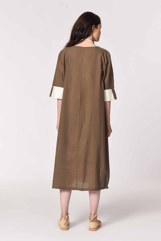 MIZALLE Yan Cep Detaylı Salaş Elbise (Koyu Vizon) (1)