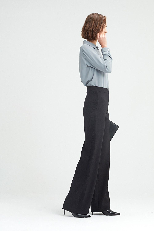 MIZALLE Yan Şeritli Pantolon (Siyah) (1)
