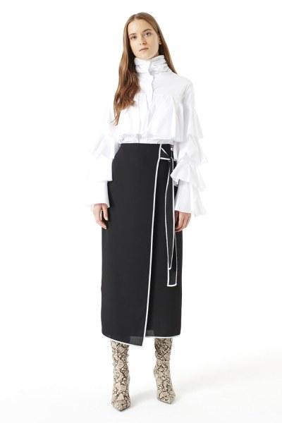 MIZALLE تنورة بحزام جانبي (أسود)