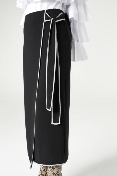 MIZALLE - تنورة بحزام جانبي (أسود) (1)