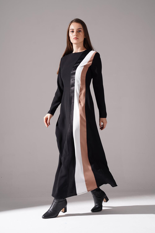 Yanı Üç Şeritli Siyah Elbise