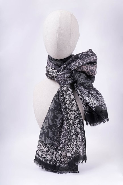 MIZALLE - Leaf Patterned Shawl (Black) (1)
