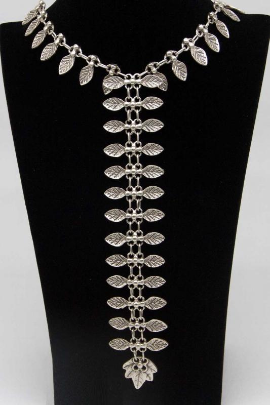 Yaprak Tasarım Antik Gümüş Kaplama Kolye