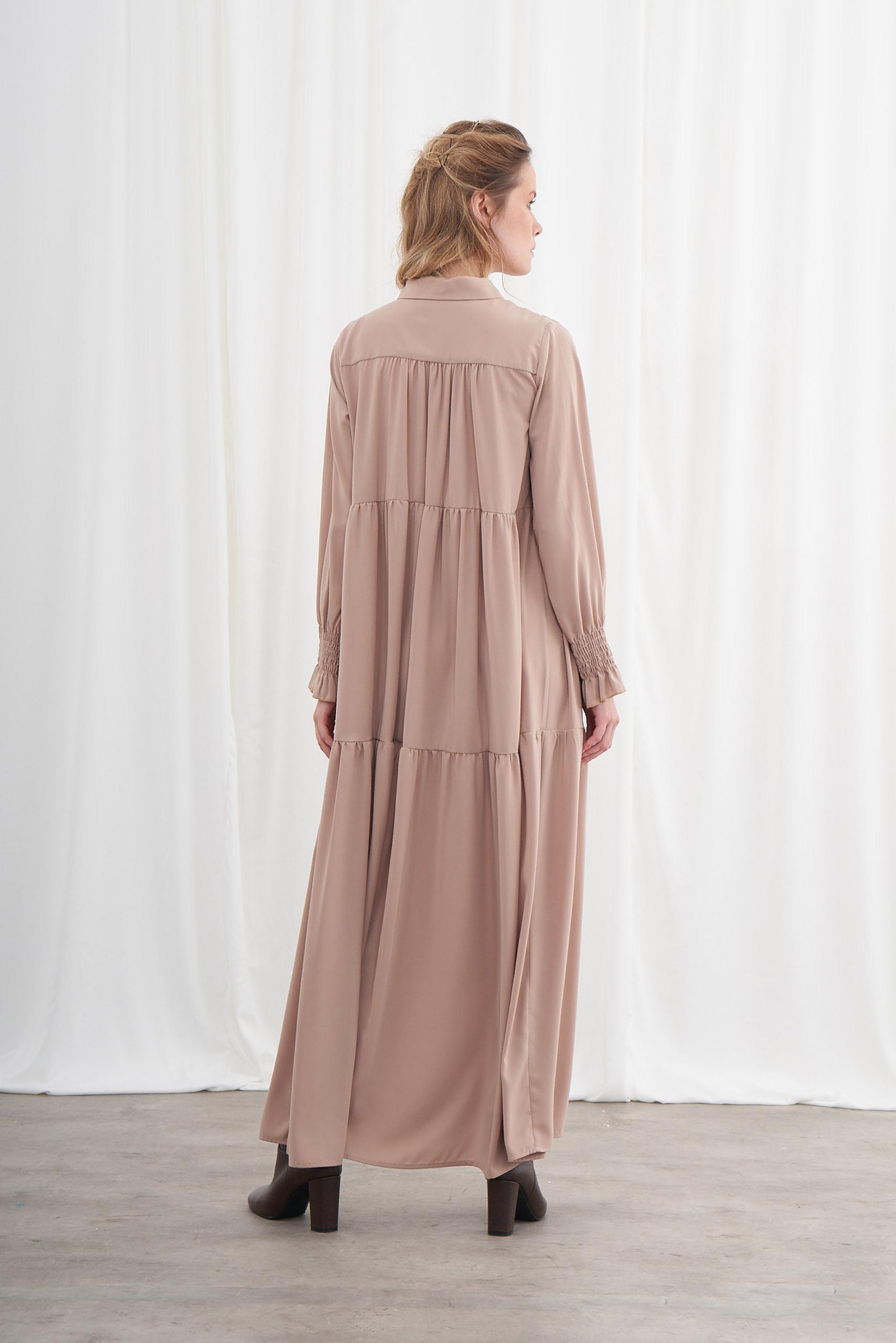 Yarım Patlı Kuşaklı Bej Elbise