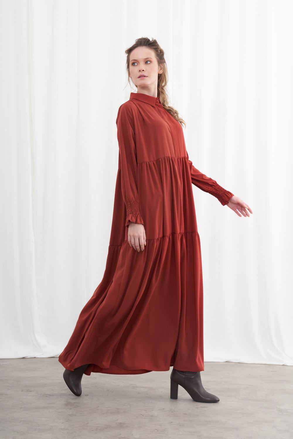 Yarım Patlı Kuşaklı Kiremit Elbise