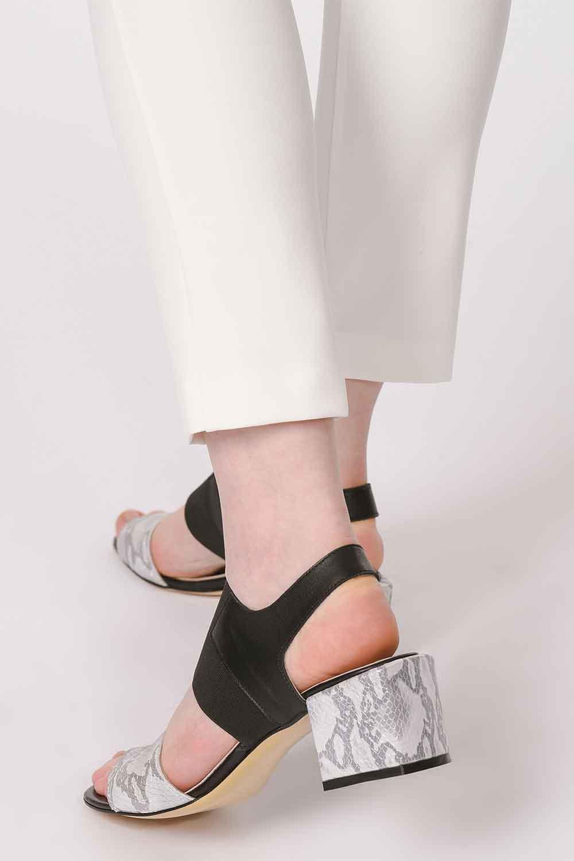 MIZALLE Yılan Desenli Ayakkabı (Gri) (1)