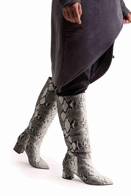 Yılan Desenli Çizme (Siyah)