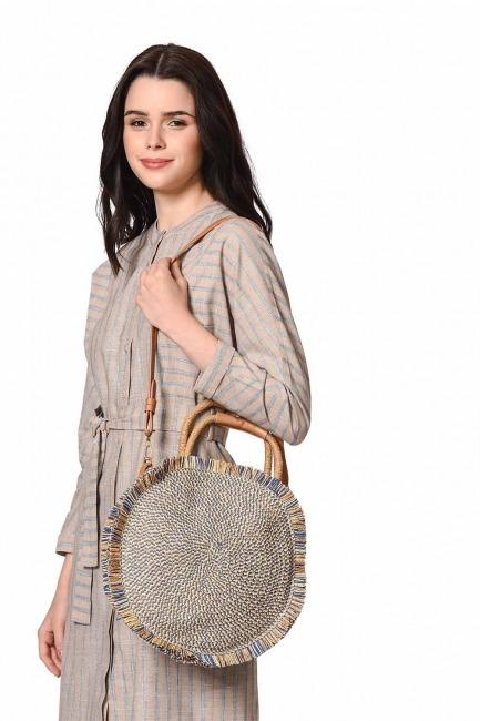 MIZALLE Round Form Straw Handbag (Blue)