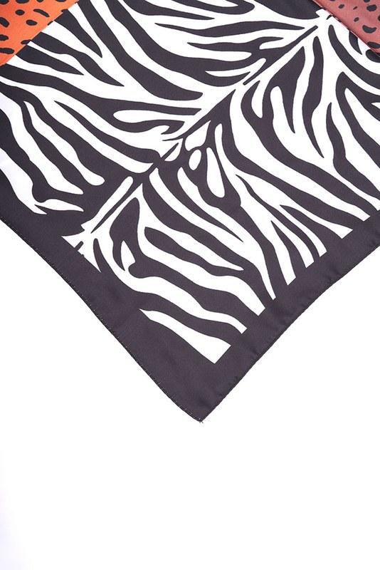 Zebra Desenli Fular (Siyah)