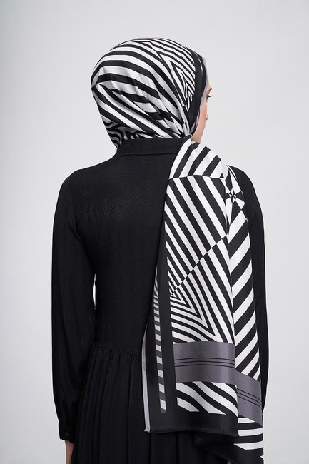 Zebra Patterned Shawl (Grey) - Thumbnail