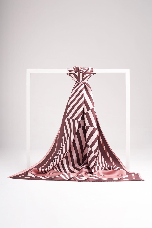Zebra Desenli İpek Şal (Kahverengi)