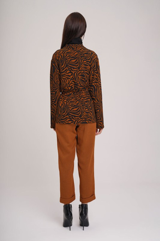 قميص مخطط باشكال زيبرا (زعفران)