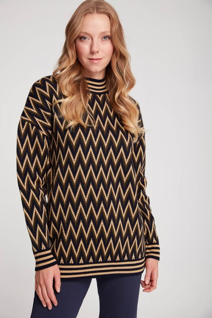 MIZALLE - Zigzag Patterned Turtleneck Sweater (Navy Blue/Khaki) (1)