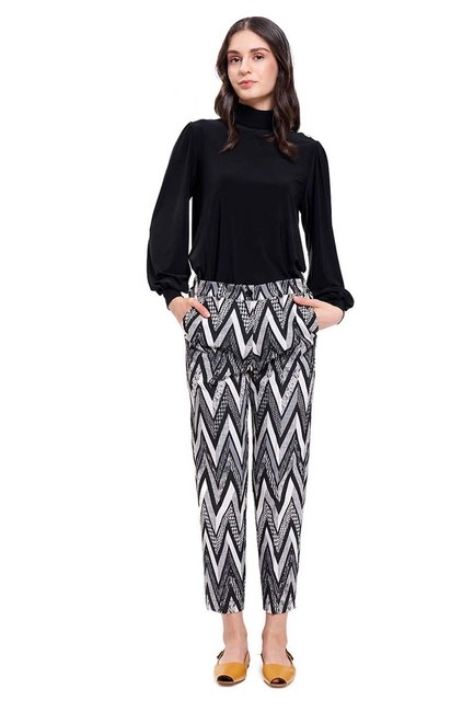 Mizalle - Zikzak Jakarlı Pantolon (Siyah)