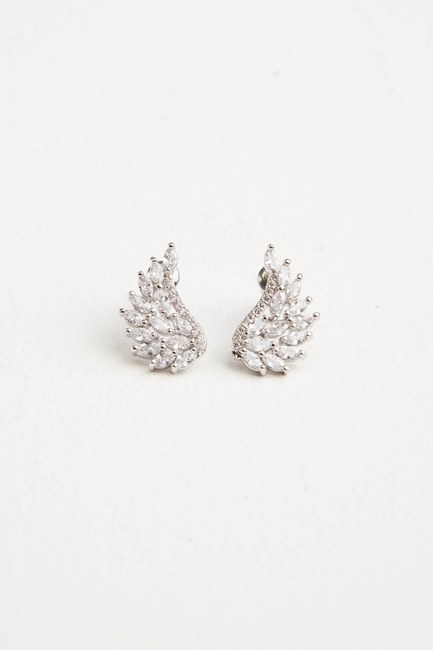 MIZALLE Zircon Angel Winged Earrings (Silver)